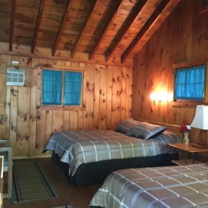 Amber Lantern Duplex Cottage in Lake George
