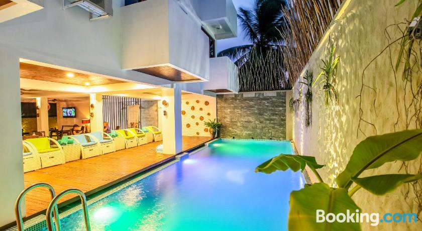 beachwood hotel and spa at maafushi south male atoll maldives rh lonelyplanet com