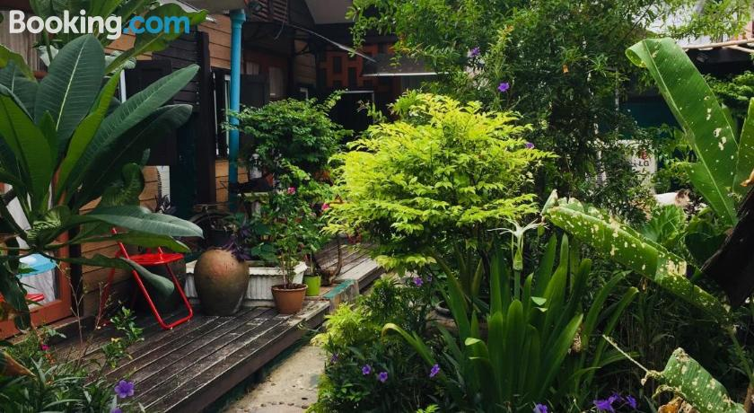 Noom Guesthouse | Lopburi, Thailand - Lonely Planet