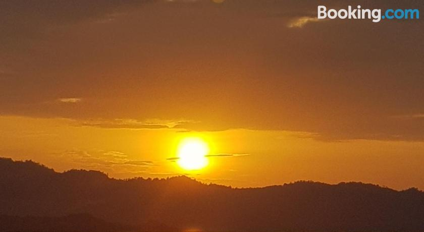 El Dorado Sunset Resort | Port Barton, Philippines - Lonely
