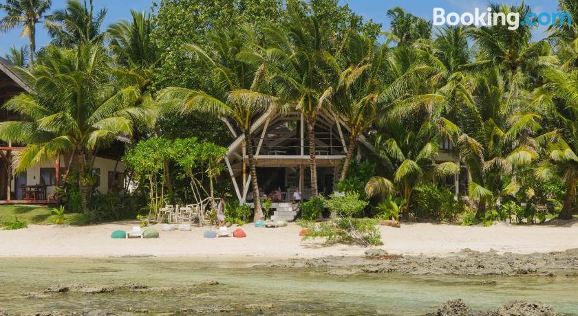 White Banana Beach Club   Cloud Nine, Philippines - Lonely
