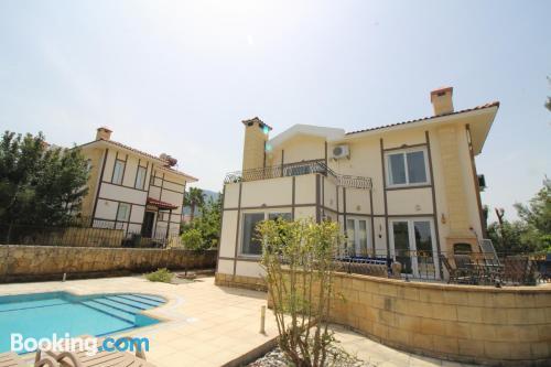 New life villa with pool - Alsancak(Karavas)Girne