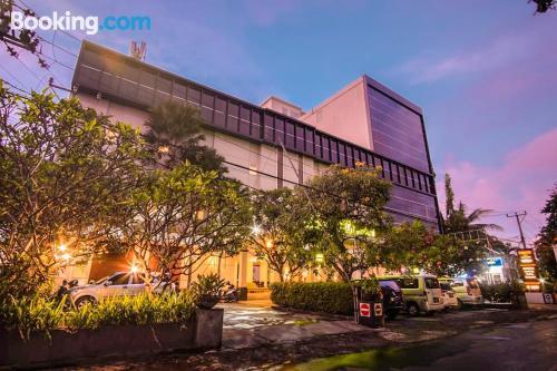 Apartamento en Mataram con aire acondicionado