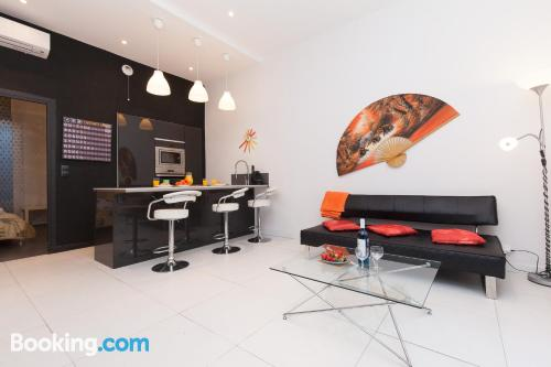 Midtown home. Cannes at your hands!
