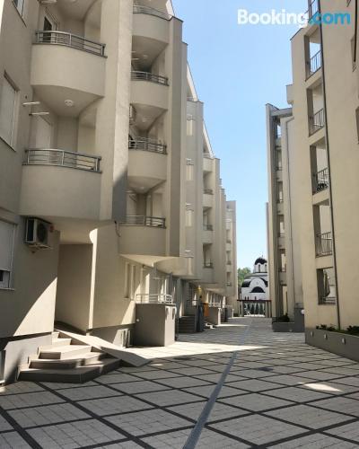 Bonito apartamento dos personas con terraza y internet