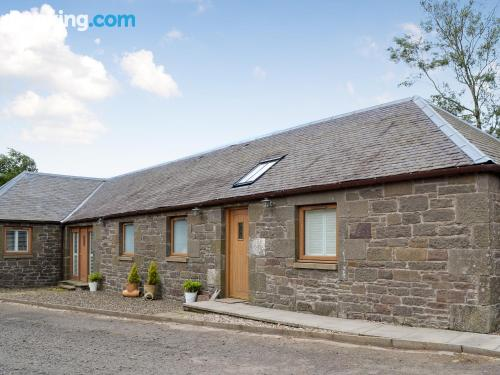 Home for two in Kirkton of Tealing with wifi