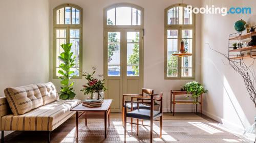 Bonito apartamento dos personas. ¡zona centro!.