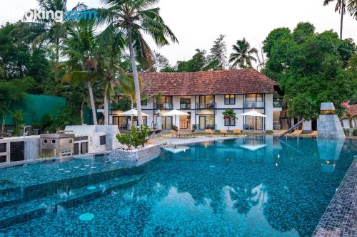 Stay cool: air home in Alleppey with internet.