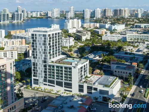 27m2 place in Sunny Isles Beach with heat