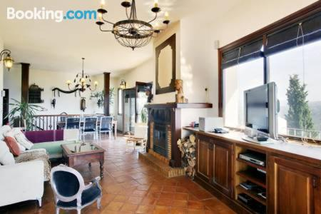 Three room apartment in incredible location