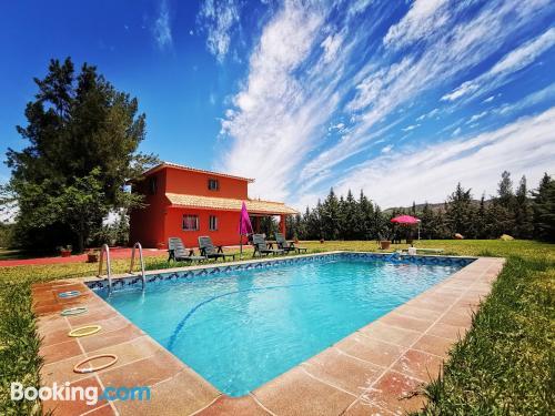 Apartamento con piscina. Ideal para familias