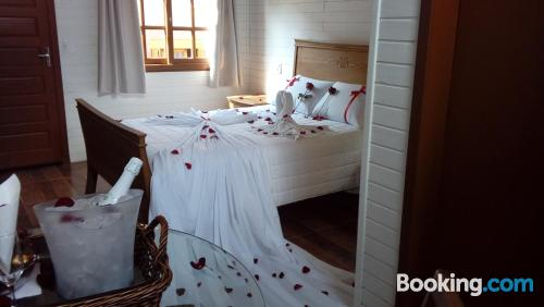 Apartment for two people in Gramado. Be cool, there\s air-con!
