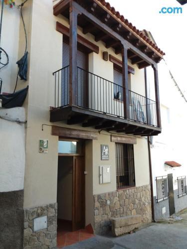 Apartamento con piscina y aire acondicionado en zona inmejorable de Aldeanueva del Camino