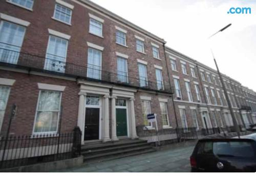 2 rooms place in Liverpool convenient for families.