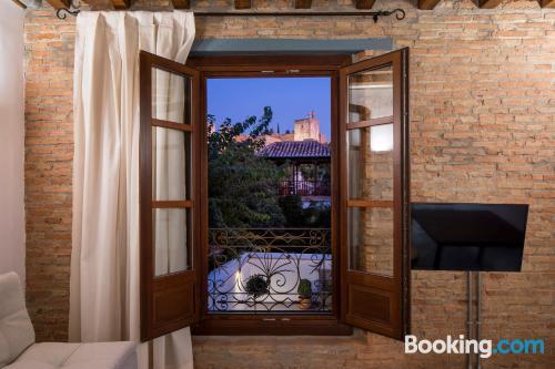 Stay in superb location in Granada.
