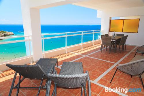 Amplio apartamento de dos dormitorios con vistas