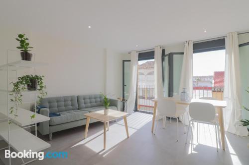 Apartamento en Málaga ideal para cinco o más.
