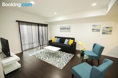 Apartamento en Los Angeles. Ideal para cinco o más.