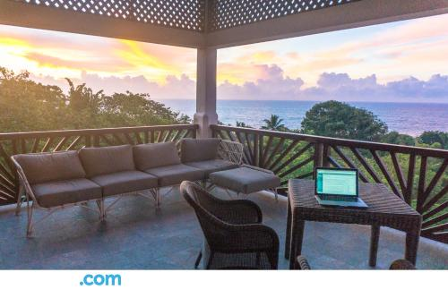 Apartment with terrace. Tangalle from your window!