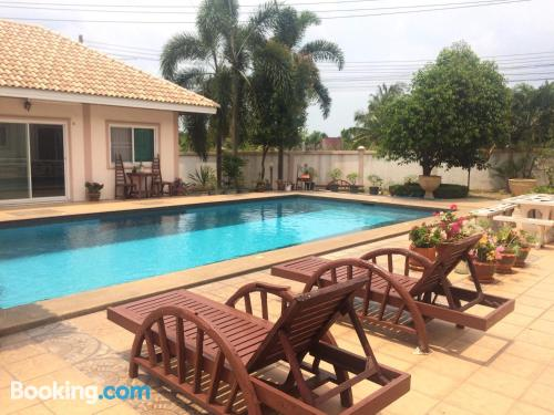 Home with swimming pool. 50m2!