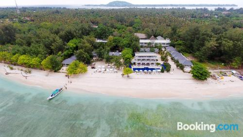 1 bedroom apartment apartment in Gili Meno with internet.