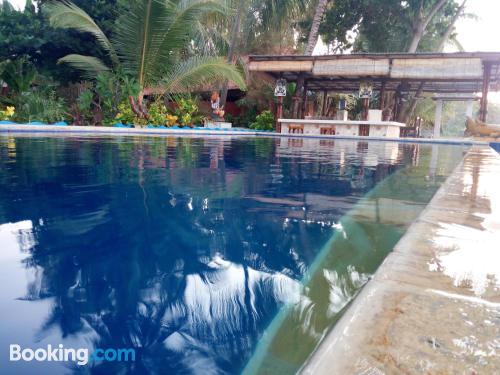 Apartamento con piscina para dos personas.