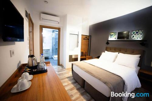 Stay cool: air place in Canakkale. Sleeps two people