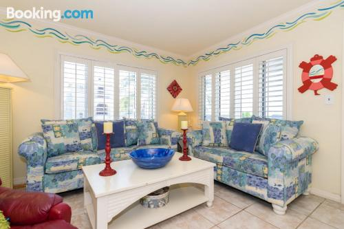 Ideal one bedroom apartment with pool.