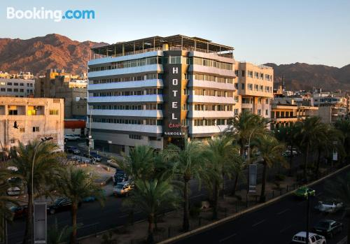 1 bedroom apartment place in Aqaba with internet.