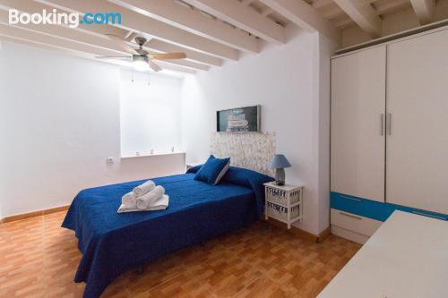Espacioso apartamento en Cádiz ideal para cinco o más