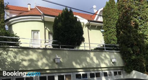 Apartamento para dos personas con terraza y conexión a internet
