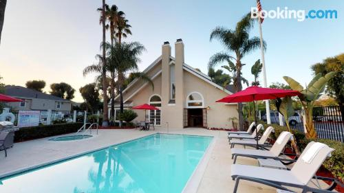 One bedroom apartment in Brea with air-con