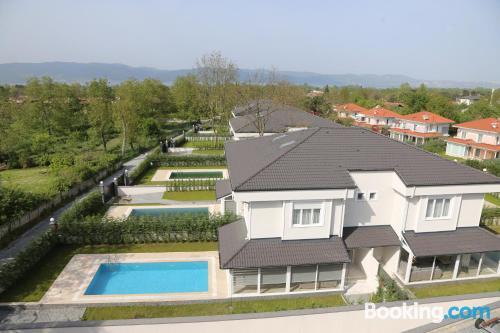 Home in Sakarya with swimming pool.