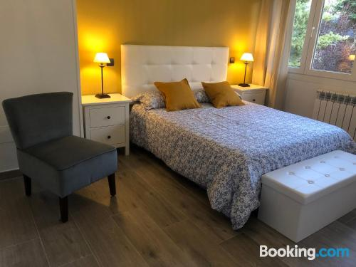 Cuco apartamento en buena ubicación ideal para grupos.