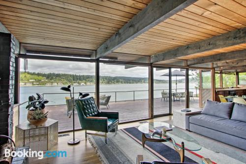 Spacious place in Port Orchard convenient for six or more.
