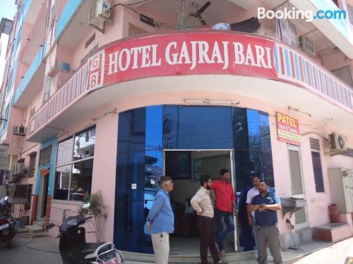 Bonito apartamento en Jaipur con conexión a internet.