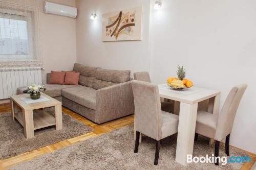 Homey apartment in center. Perfect!.