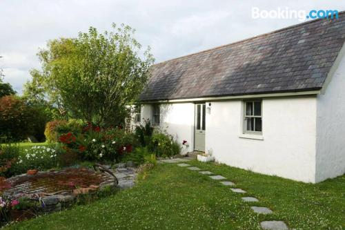 Terrace and wifi home in Skibbereen. 26m2.
