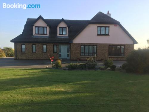 Home for couples in Wexford. Internet!