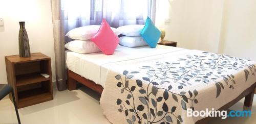 Apartamento con terraza y internet en Negombo. ¡ideal!.
