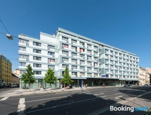 Place for 2 people in Linz with air-con