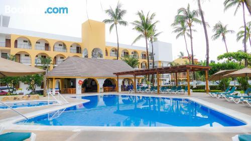 Apartamento con aire acondicionado y piscina
