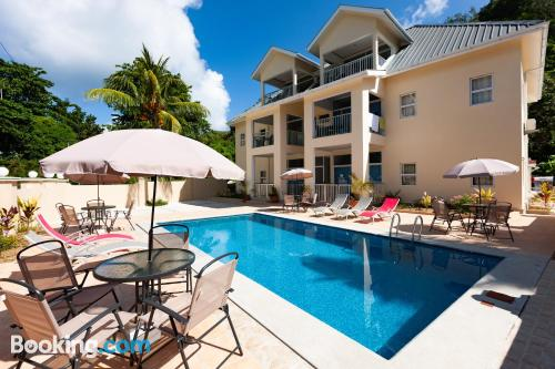 Home for couples in Anse Kerlan. Enjoy your terrace