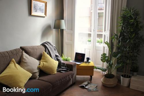 Amplio apartamento en Valencia con terraza y internet