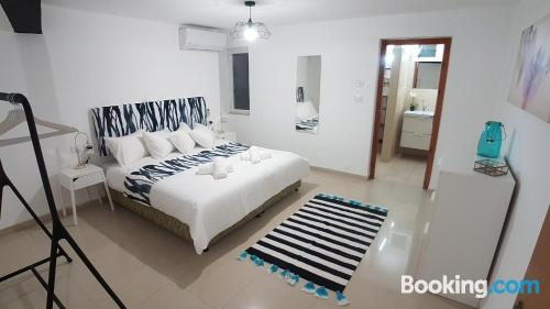 Comfortable home with 2 rooms. Air-con!