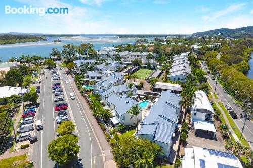 2 rooms home in Noosaville. Air!.