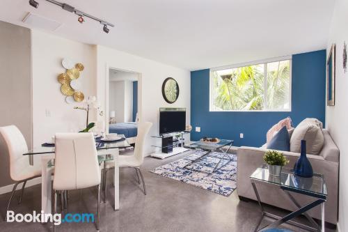 Grande appartamento con piscina. Los Angeles a vostro piacimento!