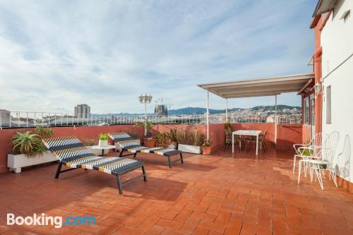 Apartamento de 64m2 en Barcelona con conexión a internet y vistas