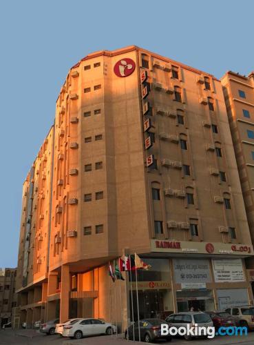 Amplio apartamento en Al Jubail con internet
