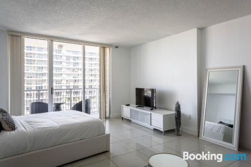 One bedroom apartment in Miami with pool and terrace